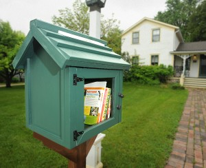 Free Book Box 5-27-15 photo by Jim Frost